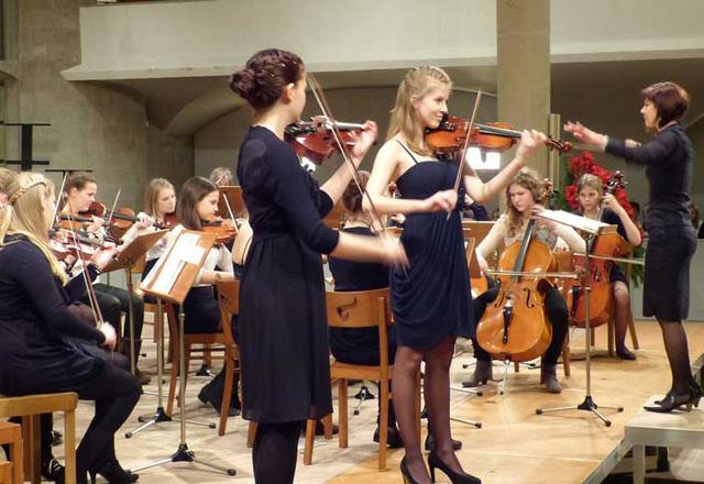 Die Solistinnen Noemi Vereb und Hannah Rittmeyer