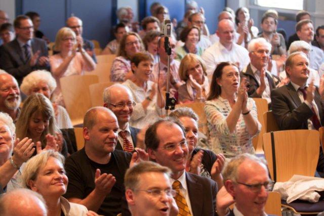 Applaus: Groß ist der Beifall für die Musiker und Redner nach dem Ende des Festaktes. Foto: SMMP/Bock