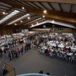 Masenverpflegung in der Tennishalle. Foto: SMMP/Beer