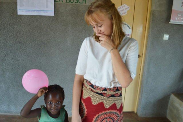 Die Missionarin auf Zeit und frühere Engelsburg-Schülerin Katharina Kloß im pädagogischen Zentrum. Foto: Johanna Friedrich
