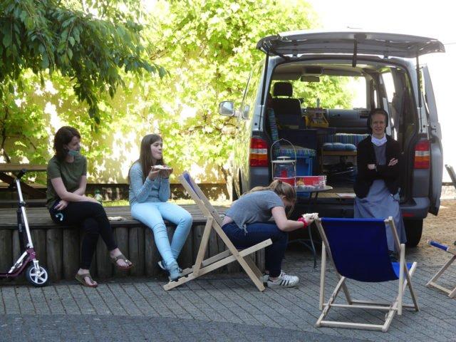 Das Mobile Kloster von SMMP stärkte alle Teilnehmer des Abiturs in den Pausen.